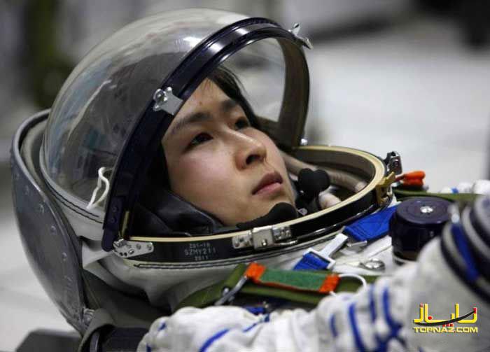 زن فضانورد