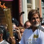 آمیتاب باچان مشعل المپیک را حمل کرد+عکس