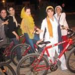 عکسی از ملیکا شریفی نیا سوار بر دوچرخه