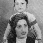 عکس گوگوش در کنار مادرش
