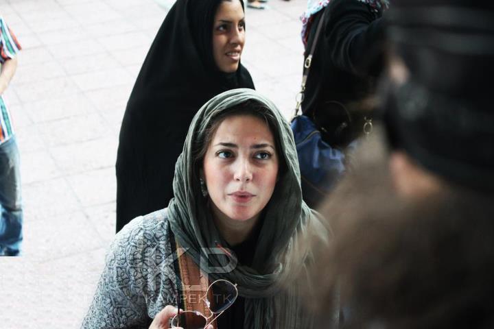 عکس کمک بازیگران در جمع آوری کمکهای مردمی برای زلزله زدگان