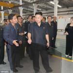 زن رهبر کره شمالی شلوار پوشید!+عکس