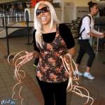 زندگی جالب زنی که با ناخن هایش رکورد دار است!+عکس