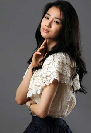 عکس ملکه اینهیون باریگر  سریال دونگ یی