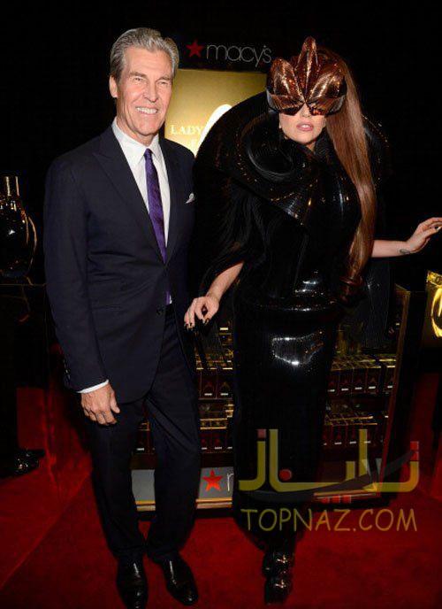 لیدی گاگا در معرفی عطر جدیدش Fame در Macy's Herald Square