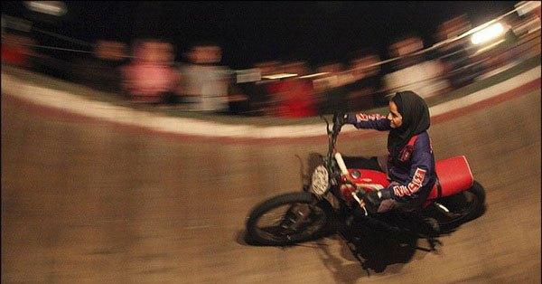 دختر ایرانی موتور سوار