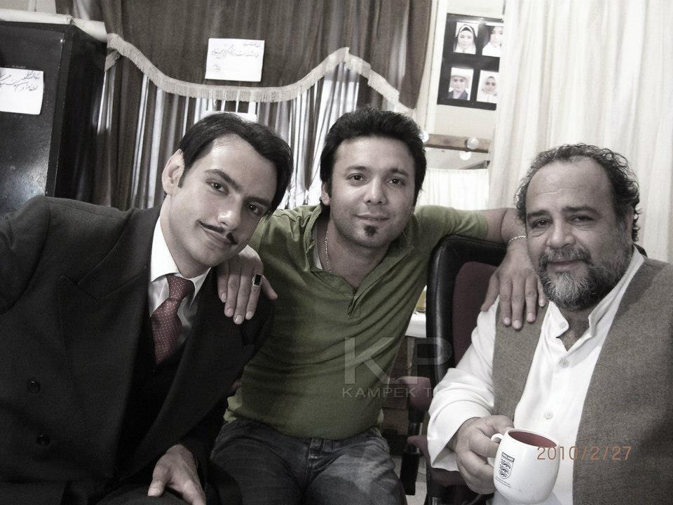 تصاویری از بازیگران سریال کلاه پهلوی در پشت صحنه این سریال تاریخی