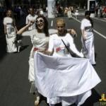 مسابقه دوی دختران با لباس عروس+تصاویر