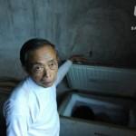 این پدر از جسد پسرش جدا نمی شود+عکس
