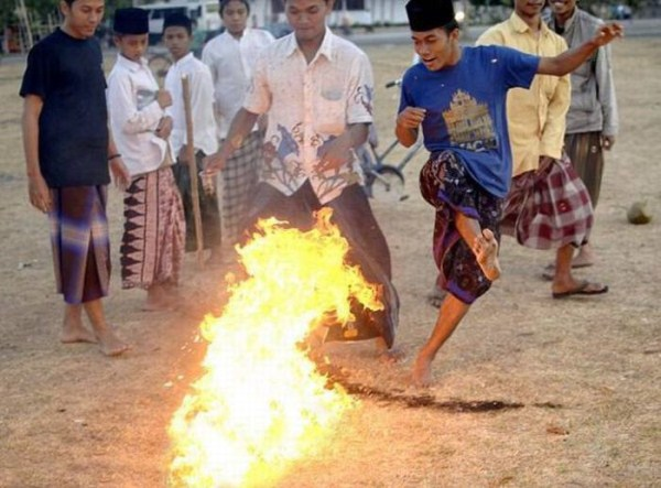1222 Flaming Soccer in Indonesia
