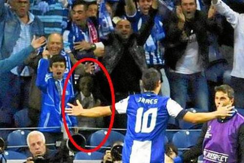 عکس و ماجرای عجیب حضور یک روح در بازی پورتو و پاریسنژرمن