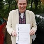 این مرد مدرک کاردانی را در 40 سال گرفت!!