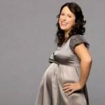 خانم های باردار چگونه برای مهمانی رسمی لباس بپوشند