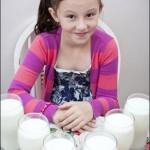 این دختر روزی 3 لیتر شیر نخورد می میرد! +عکس