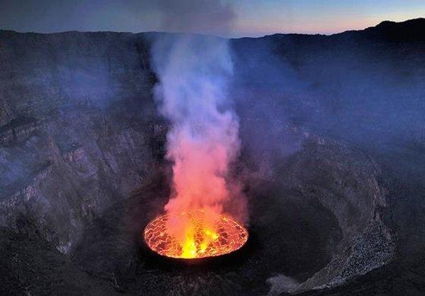 بزرگترین دهانه آتشفشان جهان