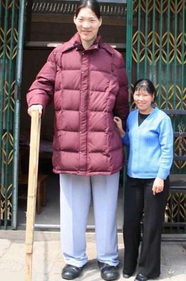 زن قدبلند