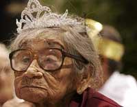 پیرزنی 101 ساله که دزد را کتک کاری کرد