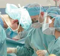 فردی که در حین عمل جراحی بیدار شد شکایت کرد
