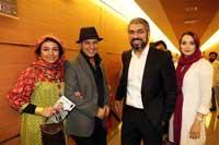 جواد عزتی و همسرش در کنار مهدی پاکدل و همسرش