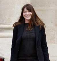 عکس های رئیس جمهور فرانسه و همسرش در حال خداحافظی