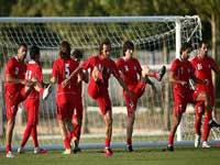 ایران و ازبکستان در نیمه اول مساوی شدند