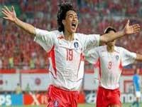 کرهجنوبي با برد قطر صدرنشين گروه اول شد
