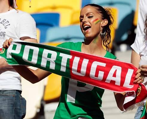 تصاویر زیبا از احساسات تماشاگران زن یورو 2012 (10)
