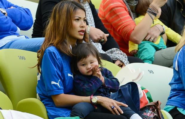 تصاویر زیبا از احساسات تماشاگران زن یورو 2012 (13)