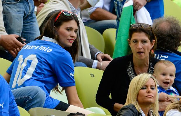 تصاویر زیبا از احساسات تماشاگران زن یورو 2012 (12)