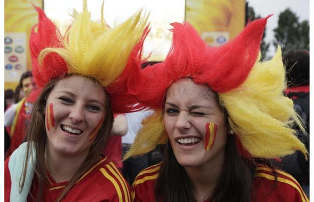 تصاویر زیبا از احساسات تماشاگران زن یورو 2012 (14)