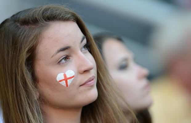 تصاویر زیبا از احساسات تماشاگران زن یورو 2012 (17)