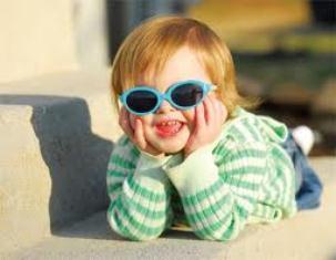 ضرورت استفاده عینک آفتابی برای کودکان