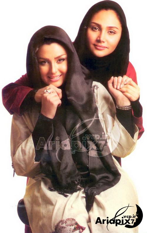 نیوشا ضیغمی و خواهرش