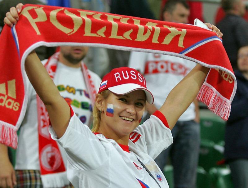 تصاویر زیبا از احساسات تماشاگران زن یورو 2012 (28)