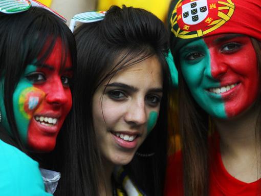 تصاویر زیبا از احساسات تماشاگران زن یورو 2012 (1)