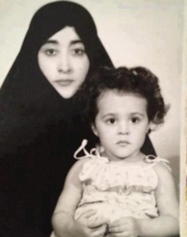 عکس حمیرا و دخترش هنگام خروج از ایران