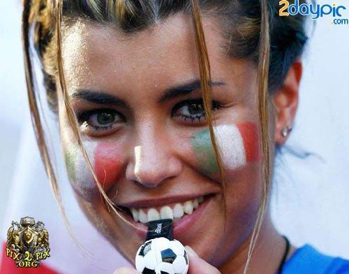 تصاویر زیبا از احساسات تماشاگران زن یورو 2012 (9)