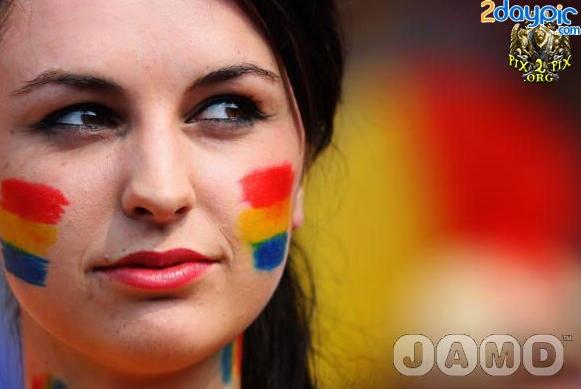 تصاویر زیبا از احساسات تماشاگران زن یورو 2012 (8)