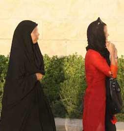 تصاویر برخورد با درحجابی در برج میلاد
