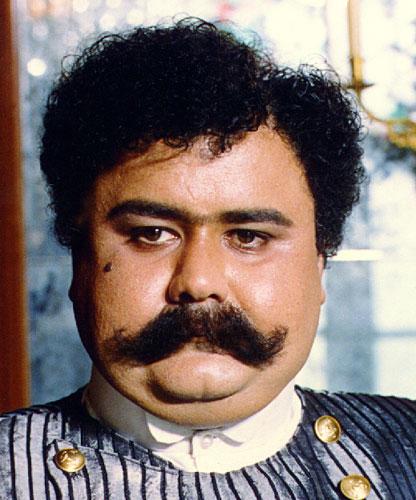 گریم و شخصیت متفاوت و دیدنی از مرد هزار چهرهٔ سینمای ایران ،اکبر عبدی