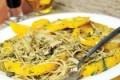 اسپاگتی سبز با قارچ و اسفناج