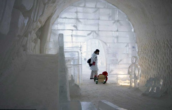 105 Ice Hotel in Canada (24 photos)