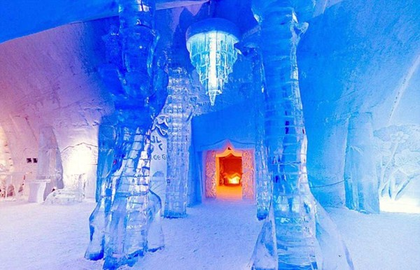 117 Ice Hotel in Canada (24 photos)