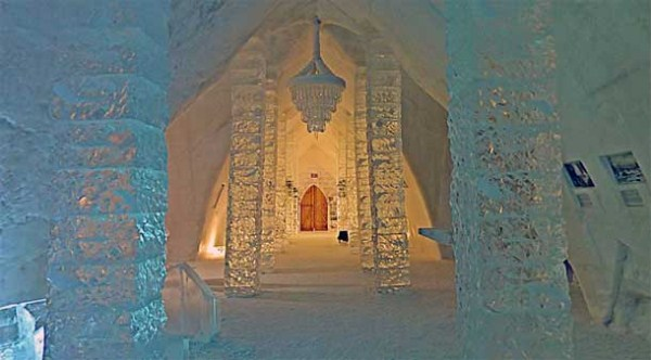 192 Ice Hotel in Canada (24 photos)