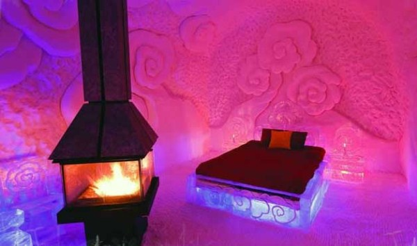 202 Ice Hotel in Canada (24 photos)