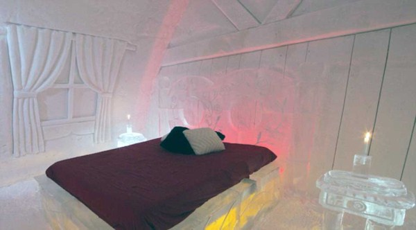 57 Ice Hotel in Canada (24 photos)