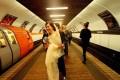 مراسم عروسی در مترو +عکس