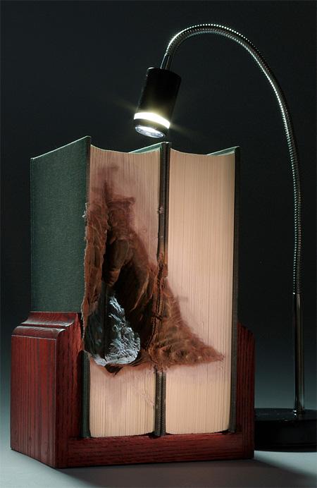 هنرنمایی با کتاب