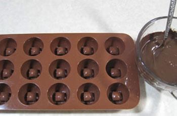 طرز تهیه شکلات های نوروزی , طرز تهیه شکلات کاراملی