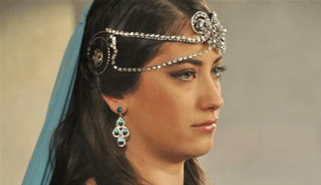هزل کایا در سریال حریم سلطان
